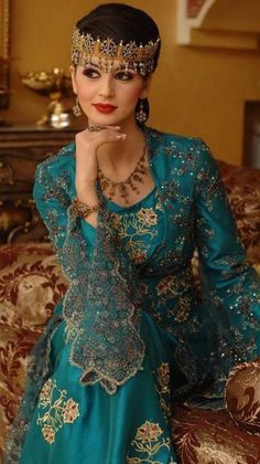 Traditional Beautiful Dresses From Around the World- Maghreb Edition Ethnic Fashion, Hijab Fashion, African Fashion, Womens Fashion, Traditional Fashion, Traditional Dresses, Kaftan, Hijab Stile, Moda Indiana