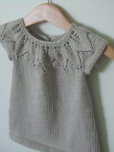 Best 11 Ravelry: miii's light leaves tunic Baby Dress Pattern Free, Baby Sweater Patterns, Baby Dress Patterns, Knitting Patterns, Knitting For Kids, Baby Knitting, Knit Baby Dress, Baby Yellow, Baby Sweaters