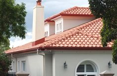 La Escandella Ceramica - Curvado Range - Colour: Roja