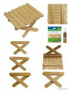 Mesa de brinquedo com palitos de picolé