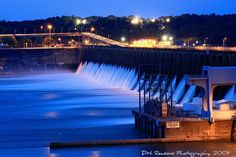 Wilson Dam~night shot by Dave Reasons~Muscle Shoals, Alabama