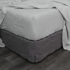 """This seamless fitted sheet is cut with deep 15"""" or 18"""" height pocket and finished..."""