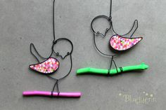 More wire birds. Wire Wrapping Tools, Sculptures Sur Fil, Stylo 3d, Wire Art Sculpture, Twig Art, Wire Ornaments, Steel Art, Beaded Animals, General Crafts