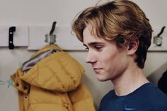 Isac SKAM  Tarjei Sandvik Moe  OMGGG ISNT HE PERFECT?? FANGIRLING SO MUCH