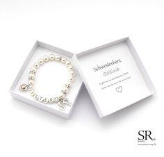 Du suchst ein besonderes Geschenk für deine Schwester? Du möchtest ihr zeigen, dass sie die Beste für dich ist? Dieses einzigartige Armband mit versilberten Metallbuchstaben und hochwertigen...
