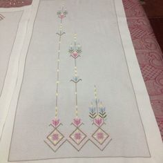 This Pin was discovered by Ays Embroidery On Kurtis, Embroidery Patterns, Made A Mano, Palestinian Embroidery, Bargello, Lace Making, Cutwork, Embroidery Techniques, Blackwork