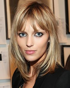 Beautiful Polish model  Anja Rubik and a perfect haircut for very fine hair.  ***This is how I ultimately want my hair! hh***
