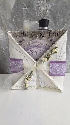 Hektapapirkunst. Bryllupskort med hatt og slør