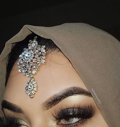Modest Fashion, Hijab Fashion, Janice Joostema, Pakistani Jewelry, Desi, Wedding Planner, Make Up, Jewels, Jewellery