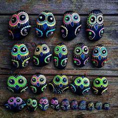 #YuliaArtDots #YuliaArtDots #owls #paintedstones #Owlslovers #birds #rocks…