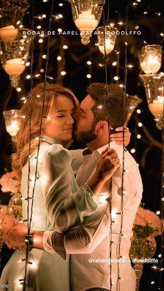 عشق بین یه پسر جذاب و یهدختر خوشگل نیست. عشق بین دو دلِ واقعیه. Romantic Couple Images, Love Couple Images, Cute Love Couple, Couples Images, Romantic Moments, Love Photos, Romantic Couples, Love Pictures, Couple Pictures