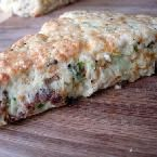 Savory breakfast scones - A wonderfully textured, peppery scone full of visible chunks of smoky bacon, green onions, and cheese. Breakfast Scones, Grab And Go Breakfast, Savory Breakfast, Breakfast Items, Breakfast Dishes, Breakfast Recipes, Muesli, Savory Scones, Muffins
