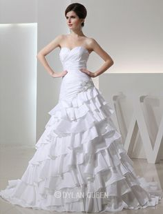 Fashionable A-line Beading Sweetheart Sleeveless Chapel Train Taffeta Wedding Dress with Applique