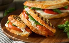 Meet your new favorite summer sandwich: the mozzarella tomato basil panini. The post How to Make a Mozzarella, Tomato and Basil Panini Like a Pro appeared first on Taste of Home. Mozzarella Sandwich, Caprese Panini, Tomato Sandwich, Caprese Salad, Tomato Basil Mozzarella, Tomato Pesto, Egg Salad, Roast Pork Sandwich, Panini Sandwiches