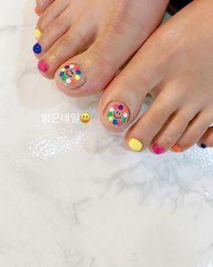63 Ideas for korean pedicure nail art Cute Pedicure Designs, Toe Nail Designs, Pedicure Nail Art, Toe Nail Art, Painted Toe Nails, Korean Nail Art, Lines On Nails, Feet Nails, Bridal Nails