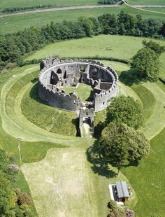 """Restormel Castle, an English heritage site in Cornwall. See link for """"A Long Wee . Restormel Castle, an English heritage site in Cornwall. See link for """"A Long Weekend in Cornwall"""" suggest Chateau Medieval, Medieval Castle, Abandoned Castles, Abandoned Places, Beautiful Castles, Beautiful Places, Days Out In Cornwall, Cornwall Garden, Beau Site"""