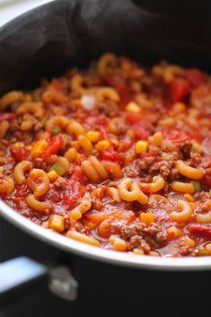 Grandma's Homemade Hungarian Goulash Beef Dishes, Pasta Dishes, Food Dishes, Best Goulash Recipes, Grandma's Goulash Recipe, Classic Goulash Recipe, Ground Beef Goulash, Hamburger Goulash, Al Dente