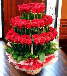 Have you a flower shop and want you see about flower arrangement?we've many more and most beautiful flowers collection, flower arrangement pictures. Send Flowers, My Flower, Pretty Flowers, Diwali Flowers, Fresh Flowers, Deco Floral, Arte Floral, Floral Design, Flower Cake Pops