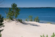 Sandbanks Provincial Park just a few hours east of Toronto on Lake Ontario Beaches In Ontario, Ontario Place, Ontario Parks, Kingston Ontario, Happy Canada Day, Canada Travel, Plein Air, Nature Pictures, Day Trips
