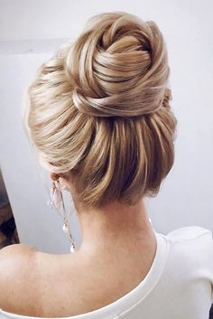 92 Drop-Dead Gorgeous Wedding Hairstyles For Every Bride To Be – Laine Kocure 92 Drop-Dead Gorgeous Wedding Hairstyles For Every Bride To Be Textured wedding updo hairstyle ,messy updo wedding hairstyles ,chignon , messy updo hairstyles ,bridal updo Hairstyles For Long Hair Easy, Bride Hairstyles, High Bun Hairstyles, Gorgeous Hairstyles, Hairstyle Ideas, Trendy Hairstyles, Long Hair Updos, Classic Updo Hairstyles, Perfect Hairstyle
