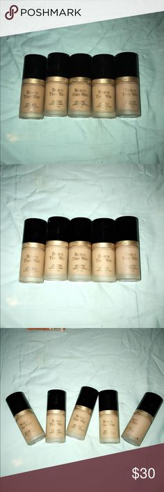 Too faced born this way foundation Shades : nude , porcelain, vanilla, light beige x2 .... I have the boxes for vanilla and light beige . PRICE IS FOR 1 Too Faced Makeup Foundation