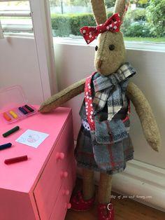 Bit of Tea & Honey Pet Toys, Doll Toys, Pet Mice, Felt Bunny, Doll Dress Patterns, Fabric Toys, Stuffed Animal Patterns, Felt Animals, Doll Face