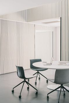 Catifa 53 chair by lievore altherr molina for arper: – office inspiration workspaces Corporate Interior Design, Corporate Interiors, Office Interiors, Workspace Design, Office Workspace, Home Office Design, Office Decor, Home Office Furniture, Furniture Design
