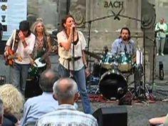 Shri Blues Band aus den USA bei uns im Franziskanerkloster. Am 19. Juli heißt es im Klosterschiff: Der Blues lebt!