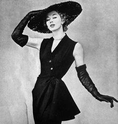 1956 La Femme Chic / Vintage couture photography
