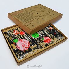 5 kleuren zeefdruk op gerecyclede houten door SuzanneKruisdijk