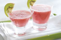 Frozen strawberries and CRYSTAL LIGHT Ready-to-Drink Strawberry Kiwi give this blended vodka-ginger ale cocktail its fruity flavor.