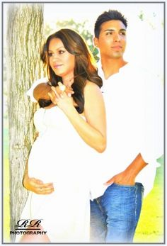 Classy couple parents-to-be maternity pregnancy pregnant expecting photo shoot picture pic pose / 31 weeks pregnant