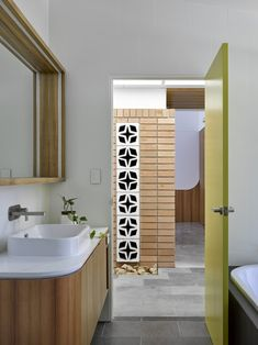 Image 4 of 13 from gallery of The Honeyworks House / Paul Butterworth Architect. Photograph by Christopher Frederick Jones