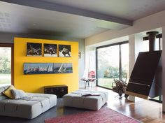 Un salon qui fait place à l'audace / A bold livingroom : http://www.maison-deco.com/salon/deco-salon/Des-salons-plein-de-vie