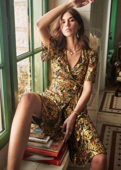 Eleven Paris, Wrap Dress Short, Short Sleeve Dresses, Spring Collection, Dress Collection, Boho Fashion, Fashion Dresses, Style Parisienne, Foto Casual