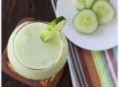 Ingredients: 1 cup honeydew melon, cut into small pieces cup garden cucumber, peeled, seeded and diced teaspoon lemon juice cup plain greek yogurt 1 tablespoon agave ice cubes Honeydew Smoothie, Ginger Smoothie, Honeydew Melon, Green Smoothie Recipes, Juice Smoothie, Smoothie Drinks, Drink Recipes, Soy Protein Powder, Green Melon