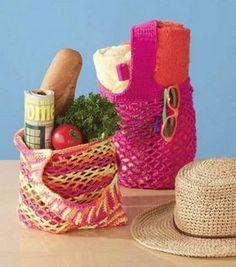Crochet Market & Beach Bag - free pattern on Jo-Ann website Crochet Purses, Crochet Hooks, Free Crochet, Crochet Bags, Crochet Potholders, Knit Crochet, Crochet Crafts, Yarn Crafts, Diy Crafts