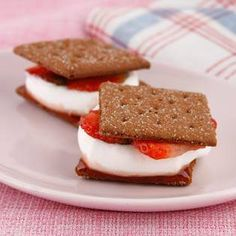 What a lovely twist! Strawberry Chocolate S'mores.