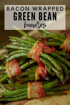 Bacon Wrapped Green Beans Ditch that old, soggy green bean casserole this holiday season, and cook up these sweet and savory green bean bundles for your next holiday meal! Nobody will miss the old green bean gloop, I promise. Side Dishes For Bbq, Vegetable Side Dishes, Side Dish Recipes, Best Bbq Recipes, Vegetable Recipes, Grill Recipes, Favorite Recipes, Traeger Recipes, Bacon Recipes