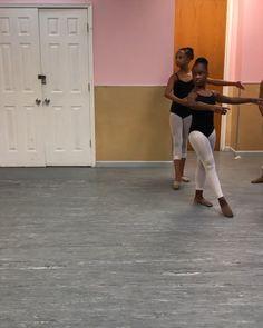 # Braids videos for sports Black ballerina kids Ballet Dance Videos, Ballet Poses, Dance Choreography Videos, Dance Tips, Ballet Dancers, Dancer Workout, Ballerina Workout, Video Sport, Black Dancers