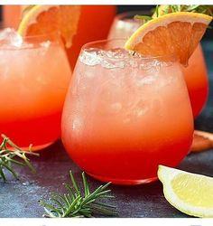 Grapefruit Sunrise Cocktail A sweet and tart grapefruit cocktail with vodka, ruby red grapefruit juice, orange liqueur, lemon juice and grenadine. So refreshing! – Cocktails and Pretty Drinks Tequila Sunrise, Sunrise Cocktail, Summer Drinks, Fun Drinks, Summer Food, Beverages, Grapefruit Vodka Cocktails, Pink Grapefruit, Vodka Sangria