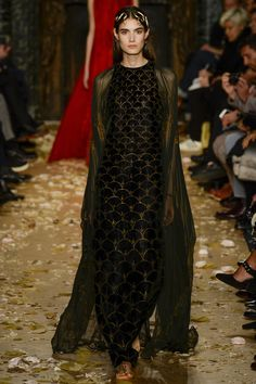 Valentino, Look #2, Spring 2016 Couture