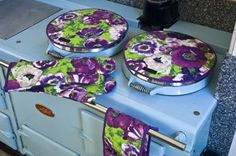 AGA Cooker Accessories Stylish and Colourful Accessories for your AGA Range Cooker English Cottage Kitchens, European Kitchens, Aga Cooker, Oven Cooker, Aga Range, Oven Range, Kitchen Mantle, Kitchen Dining, Dining Room
