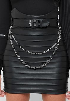 Gig Outfit, Black Leather Skirts, Motorcycle Outfit, Black Girl Fashion, Leather Chain, Leather Fabric, Vegan Leather, Chains, Berghain
