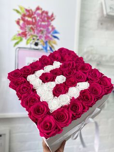 Eternal Fleur - Discover Four Season Roses & Flowers Forever Rose, Forever Flowers, Preserved Roses, Rainbow Roses, Flower Letters, Blue Roses, Flower Boxes, Four Seasons, Bellisima