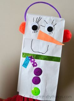 Kids will love making and playing with this easy paper bag snowman craft! Fun winter craft project for preschoolers and kids of all ages. Winter Crafts For Kids, Craft Projects For Kids, Winter Fun, Winter Crafts For Preschoolers, Kids Crafts, Craft Ideas, Daycare Crafts, Toddler Crafts, Daycare Ideas