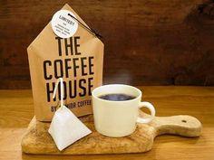 季節はすっかり秋。あたたかいコーヒーが恋しくなる季節です。ちょっとこだわりのコーヒーSHOPのテイクアウトでほっと一息してみてはいかが?