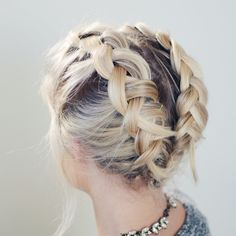 Totally adorable hairstyle! I am so going to try this sometime! Even though I cant braid very well. Lol