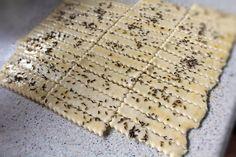 saratele chimen Biscuits, Deserts, Bread, Food, Crack Crackers, Cookies, Brot, Essen, Biscuit