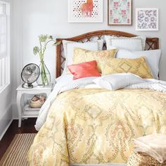 Lighter bedding for lazy summer days.this Lemon Tree Pateel Duvet Cover is the perfect summer bedding. Shop it via the link in our bio. Chic Bedding, Luxury Bedding, Bedding Shop, Small Master Bedroom, Dream Bedroom, Girls Bedroom, Guest Room Decor, Bedroom Decor, Bedroom Ideas